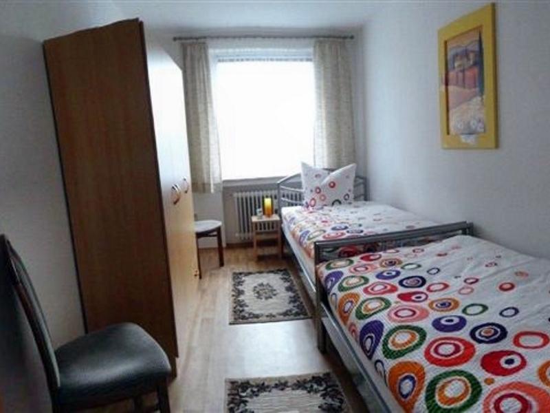 apartment oldenburg ferienwohnung ab 15 pro person nacht. Black Bedroom Furniture Sets. Home Design Ideas
